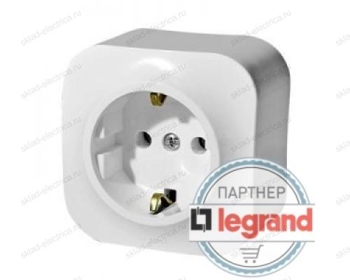 Розетка одинарная с заземлением белая Legrand Quteo 782211